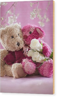 Wood Print featuring the photograph Two Teddy Bears With Roses by Ethiriel  Photography