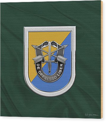 U. S.  Army 8th Special Forces Group - 8 S F G  Beret Flash Over Green Beret Felt Wood Print by Serge Averbukh
