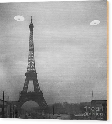 Ufo: Paris Wood Print by Granger