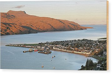 Wood Print featuring the photograph Ullapool Morning Light by Grant Glendinning