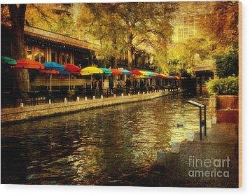 Umbrellas In The Riverwalk Wood Print by Iris Greenwell