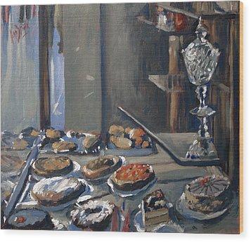 Une Coupe A Gingembre En Cristal De La Patisserie Royale A Maastricht Wood Print by Nop Briex