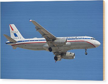 United Airlines Airbus A320 Friend Ship N475ua Sky Harbor March 24 2015 Wood Print by Brian Lockett