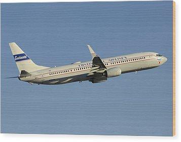 United Boeing 737-924 N75436 Retro Continental Phoenix Sky Harbor December 9 2015 Wood Print by Brian Lockett