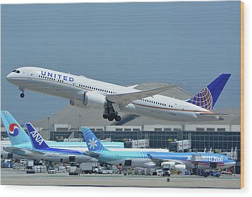 Wood Print featuring the photograph United Boeing 787-9 N27965 Los Angeles International Airport May 3 2016 by Brian Lockett