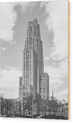 University Of Pittsburgh Cathedral Of Learning Wood Print by University Icons