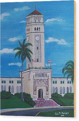 University Of Puerto Rico Tower Wood Print by Luis F Rodriguez