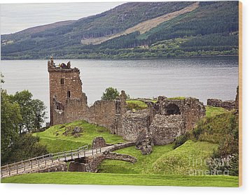 Urquhart Castle I Wood Print by Chuck Kuhn