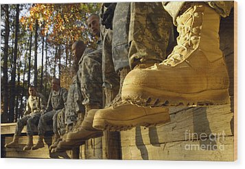 U.s. Army Soldiers Prepare For Basic Wood Print by Stocktrek Images