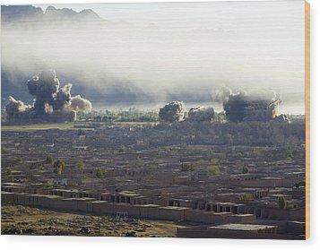U.s. Bombs Burst During Fighting Wood Print by Everett