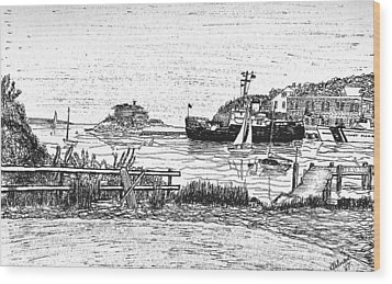 Us Coast Guard Cutter On Little Harbor Wood Print