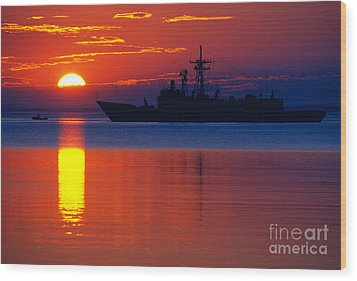 Us Navy Destroyer At Sunrise Wood Print by Thomas R Fletcher