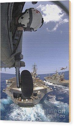 U.s. Navy Petty Officer Leans Wood Print by Stocktrek Images