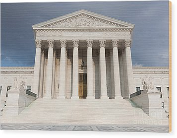 Us Supreme Court Building V Wood Print by Clarence Holmes