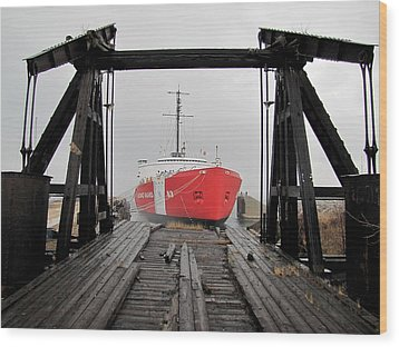 Uscgc Mackinaw Framed By Railroad Elevator Wood Print by Keith Stokes