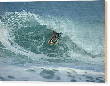 V Land Tube Action Wood Print by Brad Scott