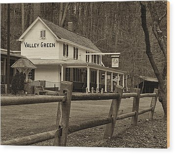 Valley Green Wood Print by Jack Paolini