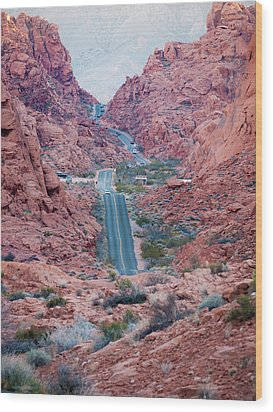 Valley Of Fire Drive Wood Print by Rae Tucker