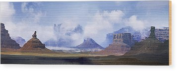 Valley Of The Gods Wood Print by Leland D Howard