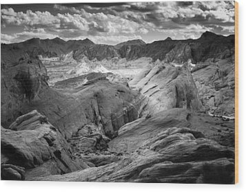 Valley Of Fire Expanse Wood Print by Jason Moynihan