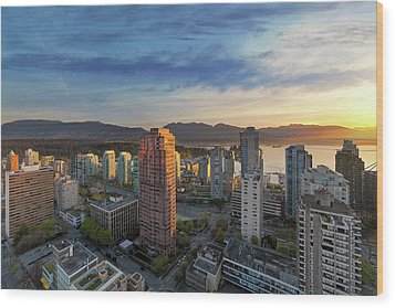 Vancouver Bc Cityscape At Sunset Wood Print by David Gn