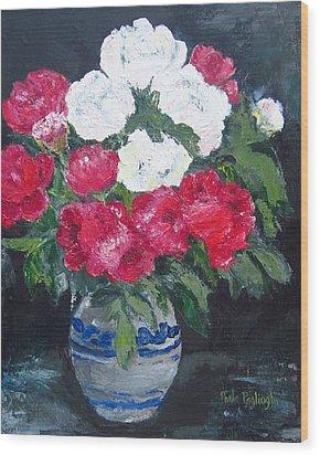 Vase Of Peonies Wood Print