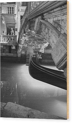 Venetian Daily Scene Wood Print