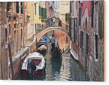 Venice Gondolier Wood Print by Frozen in Time Fine Art Photography
