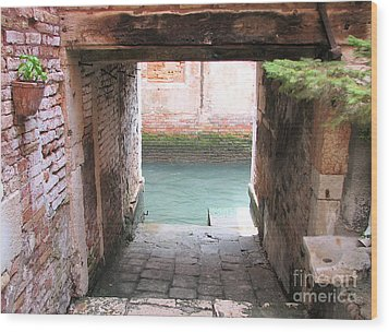 Venice- Italy-garage Wood Print by Italian Art