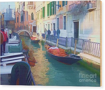 Wood Print featuring the photograph Venice Sidewalk Cafe by Roberta Byram