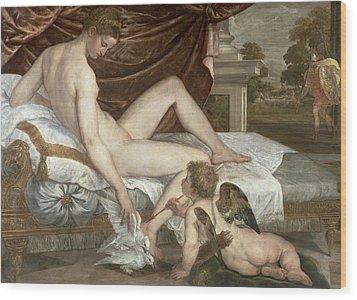 Venus And Cupid Wood Print by Lambert Sustris