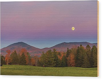 Vermont Fall, Full Moon And Belt Of Venus Wood Print