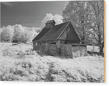 Vermont Sugar Shack In Infra Red Wood Print
