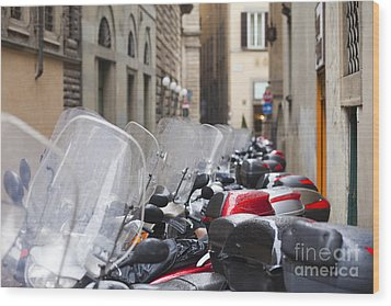 Vespas In Florence Wood Print by Andre Goncalves
