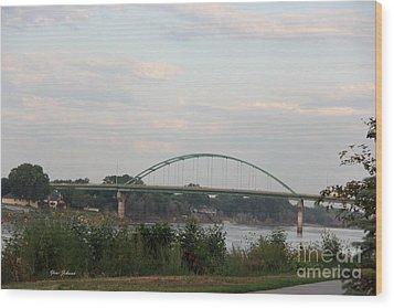 Vetrans Memorial Bridge Wood Print