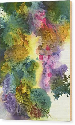 Vibrant Grapes Wood Print by Gladys Folkers