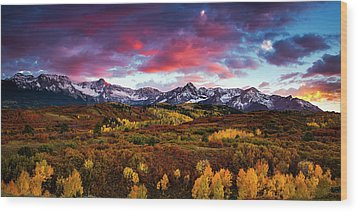 Wood Print featuring the photograph Vibrant Rockies Sunset by Andrew Soundarajan