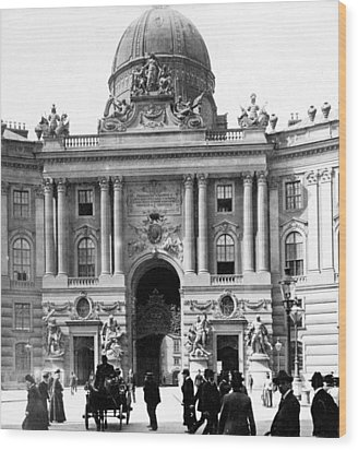 Vienna Austria - Imperial Palace - C 1902 Wood Print by International  Images