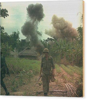 Vietnam War. Us Marines Walk Away Wood Print by Everett