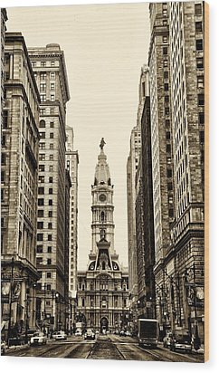 View Of Cityhall From Broad Street In Philadelphia Wood Print by Bill Cannon