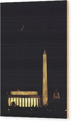 View Of The Lincoln And Washington Wood Print by Karen Kasmauski