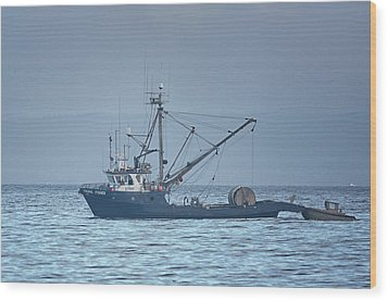 Wood Print featuring the photograph Viking Fisher 3 by Randy Hall
