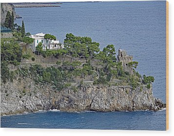 Villa Owned By Sophia Loren On The Amalfi Coast In Italy Wood Print by Richard Rosenshein