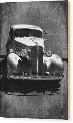 Vintage Car Art 0443 Bw Wood Print by Lesa Fine