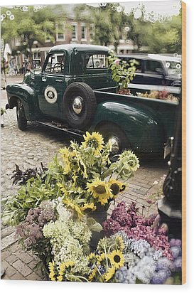 Vintage Flower Truck-nantucket Wood Print by Tammy Wetzel