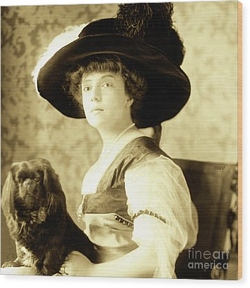 Vintage Lady With Lapdog Wood Print