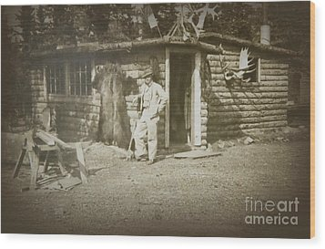 Wood Print featuring the photograph Vintage Log Cabin by Linda Phelps