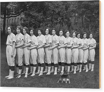 Vintage Photo Of Women's Baseball Team Wood Print by American School