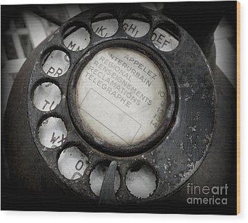 Vintage Telephone Wood Print by Lainie Wrightson