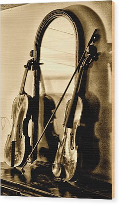 Violins Wood Print by Bill Cannon